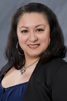 About Ana Calderon Bookkeeper in Chicago, background in bookkeeping and is a Quickbooks Pro Advisor, helps businesses and clients get a handle on finances.